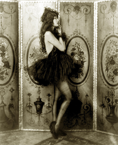 pictures-of-lilly:  claredinkum:   bygoneyears:  Dolores Costello, Ziegfeld girl, by Alfred Cheney Johnston, ca. 1923 (by trialsanderrors)