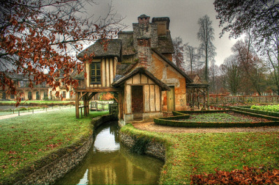 The tags say this is in Versailles, France. A little cottage/chateau with a moat. Baller. I need to stop posting