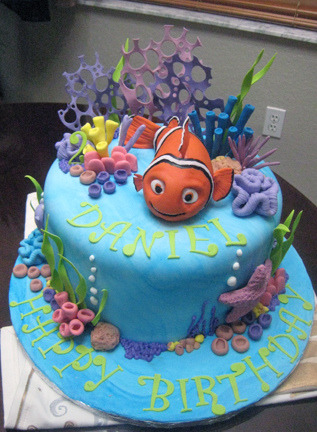 someima:  belleieve:  UMM WANT. Nemo birthday cake (by sharoncakes)