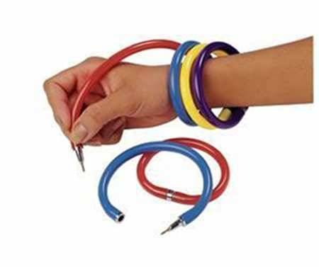 imremembering:  Pen Bracelets  FFFFUUUUU! Sorry, i know i've been reblogging a lot of things from this site, but i think i peaked in life at 14 and i've been sitting in bed for a week in such pain, so i see little else i'm meant to do. Also, these things never stayed closed after like the first week of using them.