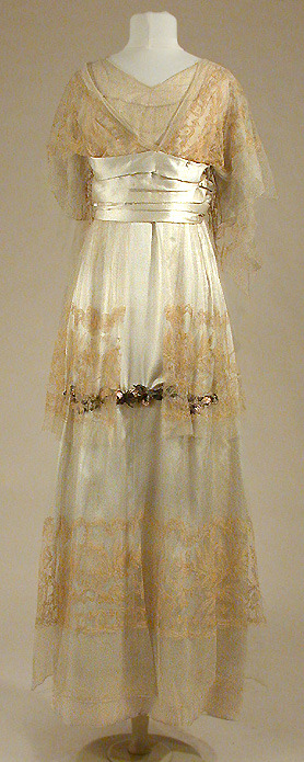 yeoldefashion:  A Paquin afternoon dress from the summer of 1912.