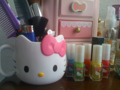 HK cup, HK nail polishes, & in the back HK jewelry box :)  - tiffanymamas
