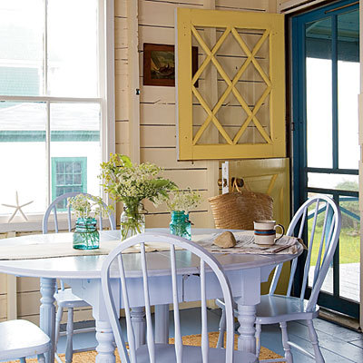 suziebeezie:  beach cottage love look at that yellow dutch door! :)