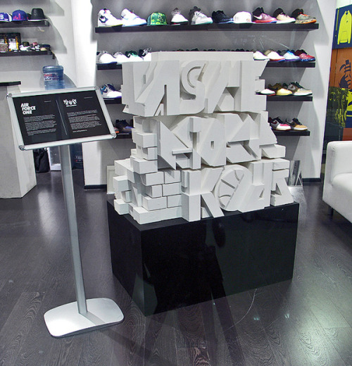 Aske,Sicksystems, Nike Air Force 1 Sculpture (?) using only one color creates more depth in dimention. makiko