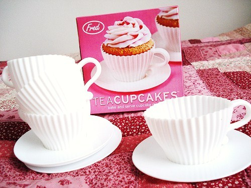 cups-cakes-cupcakes:  teacupcakes !   so thats where these came from… very cool!
