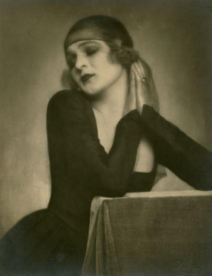 billyjane:  Anita Berber by Madame D'Ora,1922 via jmcfaber.at