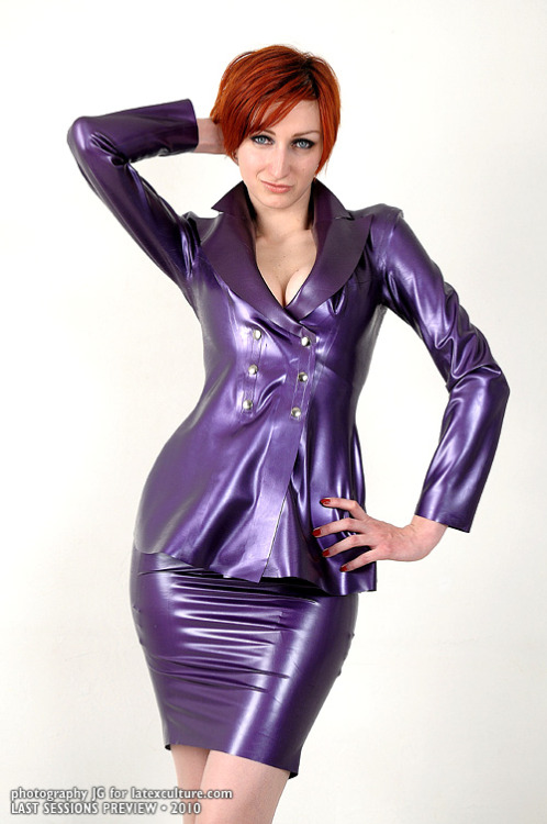 Working Girl in Latex Rubelle by Jerome Gouvrion via gouvrion.com