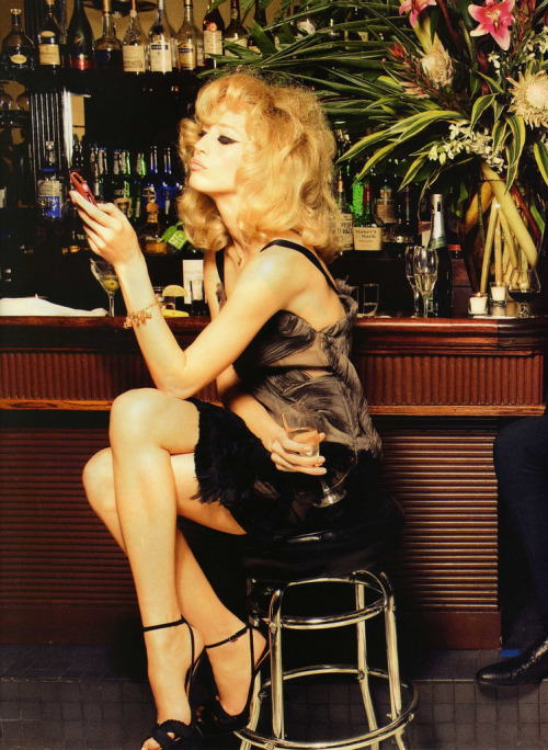 Raquel Zimmermann by Ellen von Unwerth in Vogue (Nippon), June 2010 via modevogue (Flickr)