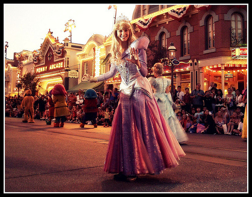 belleieve:  ohmyitsdisney:  (via heartdisney)    Oh my GOD I love this picture!!!