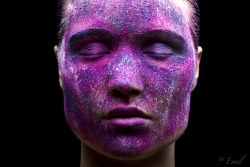 I want to find me some saturated pigment powder for a shoot…