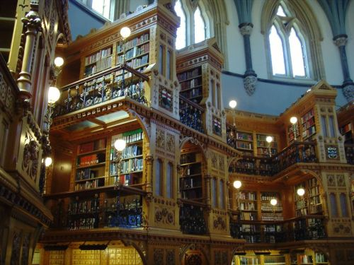 wordpainting:  breathingbooks:  librarianista:  picturethis-that:  Parliament's library