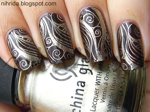 Base: Essence SpicyPattern: China Glaze 2030Konad IP M51