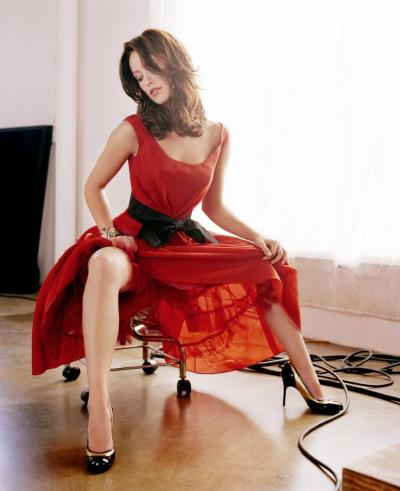 Olivia Wilde. And a red dress. (via oliviafuckingwilde)