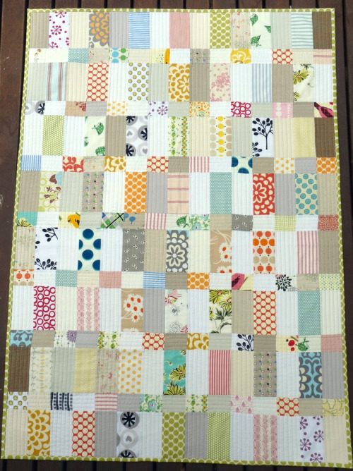 createfindadmire:  redpepperquilts:  Strips and Bricks Quilt