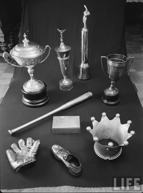 mightyflynn:  Awards Display, Babe Ruth's funeral (1948)