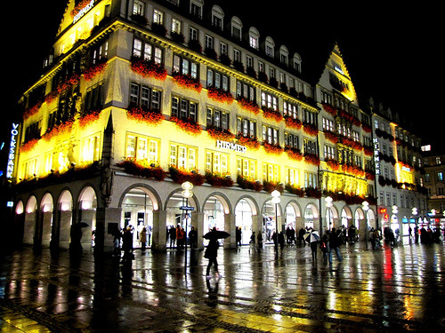 travelhighlights:  Munich by Night by John (moonjazz) Munich, Bavaria, Germany [Submitted by http://randomnessnstuff.tumblr.com and also requested by http://lempireants.tumblr.com/]