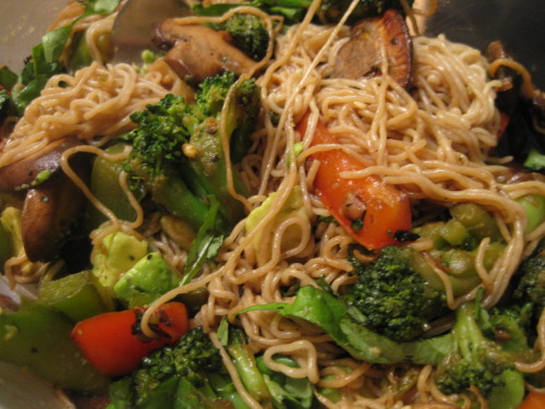 Easy Veggie Stir Fry with TOFU NOODLES! This was my first time cooking with tofu noodles and this meal camae out pretty good! Best part about tofu noodles? The whole bag only contains FORTY CALORIES. Crazy, right? I used the whole bag to make myself one heaping pile of veggie stir fry and it came out delicious. The days of regular ole noodles are long gone…helllooo tofu noodles. Here is what I did with them!