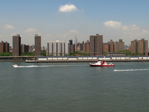 New FDNY Fireboat 343