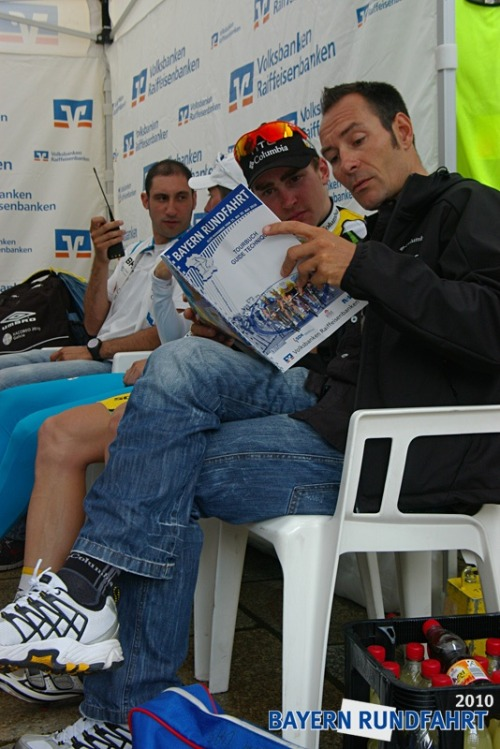 Erik Zabel and a Columbia rider. Even Erik's socks say Columbia.