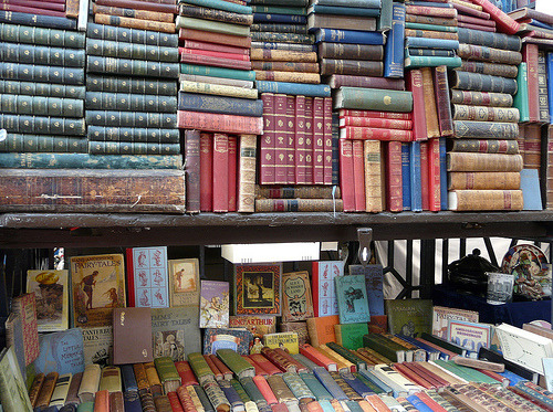 booklover:  jasmine-marie:  breathingbooks:  Convent Garden, London