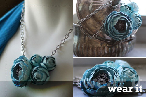 Paper Ranunculus Flower Garden Necklace … I don't even know how to begin to pronounce the name of this ridonculously gorgeous flower, but I want it like a fat kid wants ice cream. Be sure to check out the other gorgeous (understatement of the century!) items on Blush Envy's shop.