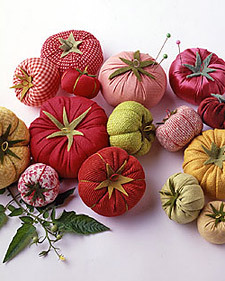 It's almost cliche… but I LOVE these tomato pincushions. How did tomatoes ever get to be the choice for pincushions, anyway?