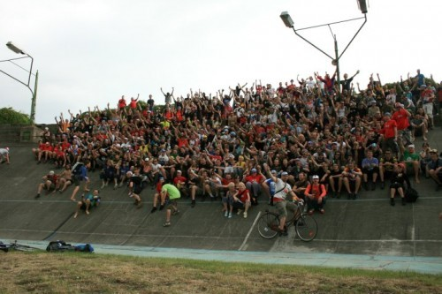 Results from the 2010 European Cycle Messenger Championships have been posted here.  Photo found on Candy Cranks.