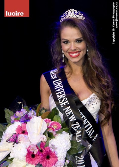 Miss New Zealand 2010 Ria van Dyke was crowned tonight at the Duxton Hotel—and it was one tough competition. I am very proud of our decision. (Photograph by Jin Cowan.)