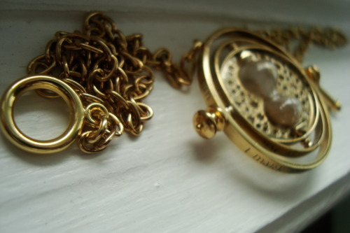 Collector's Time-Turner  Submitted by fevenaraya