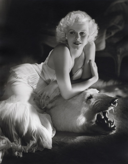 Jean Harlow's famous bear rug portrait Photographed by George Hurrell in 1934 for Vanity Fair Image Source: Profiles in History
