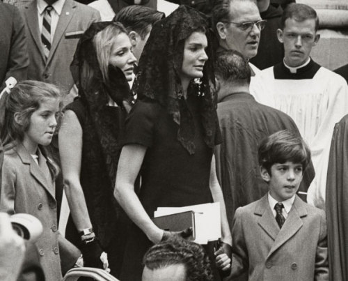 Jacqueline with Caroline and John Jr., at Senator Kennedy's wake.