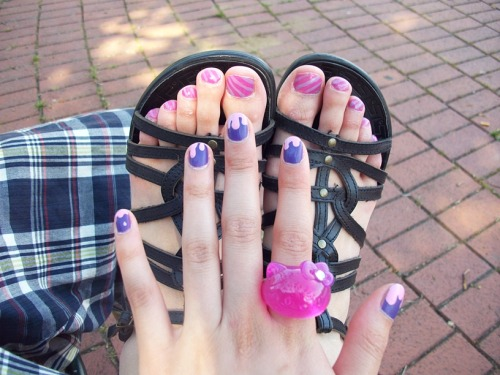 I love the cute colors!!! and my hello kitty ring ♥