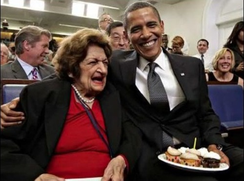 peterfeld:  Obama uses cupcakes to trick Helen Thomas into quitting.