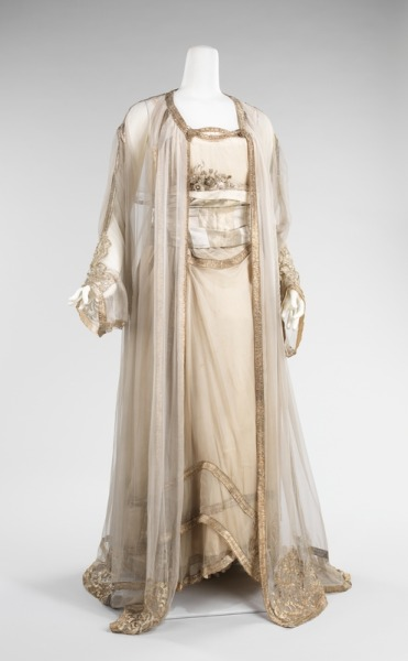 Fabulous evening ensemble from 1910.