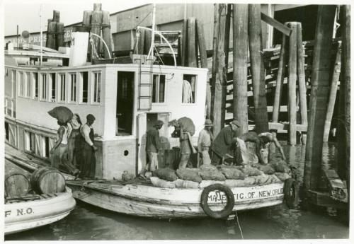 ubiquitousamericana:  defendneworleans:  Unloading oysters from packet boat arriving at New Orleans, La. From NYPL  Ah, those good ol' days of three hundred years ago through last month.