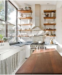 ladyanndeborja:  Love those shelves. partspermillion:(via remodelista)
