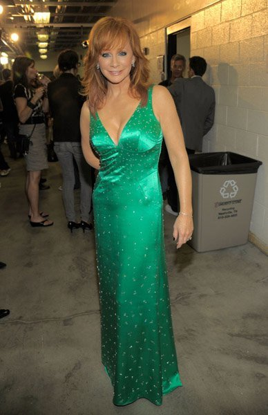 Reba at the 2010 CMT awards