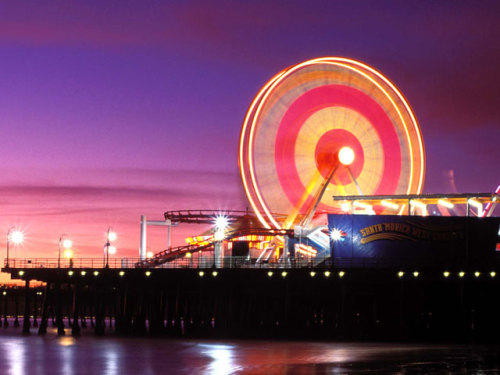 my heart is an empty ferris wheel at sunset.