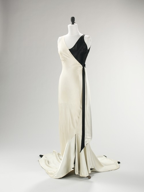 A wonderfully art deco evening dress by American designer Jesse Franklin Turner, circa 1930.