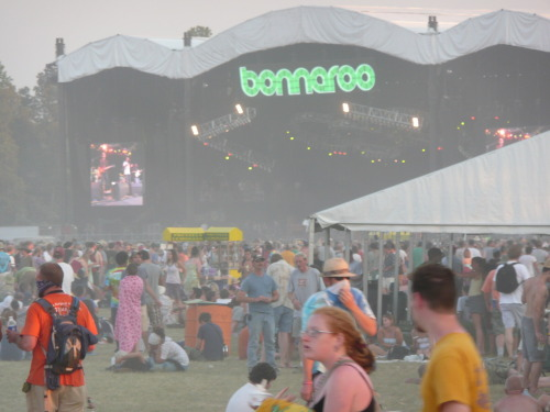 Bonnaroo '08. Bands i should be seeing today; RIse Against, Phoenix, Against me!, Regina Spektor, Japandroids, John Fogerty, DMB, Zac Brown Band………………. sigh.