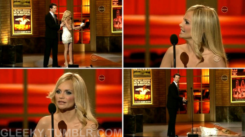 KRISTIN CHENOWETH: And my parents have been so supportive of my career… SEAN HAYES: What are you doing? KRISTIN CHENOWETH: I'm reading my thank-you speech. SEAN HAYES: You didn't win anything. You're here to present Best Featured Actor in a musical. KRISTIN CHENOWETH: I'm sorry, Sean, I didn't hear anything after I didn't win anything. SEAN HAYES: You didn't win an award. KRISTIN CHENOWETH: That's unusual for me. SEAN HAYES: In this particular case, you weren't even nominated. KRISTIN CHENOWETH: *faints*