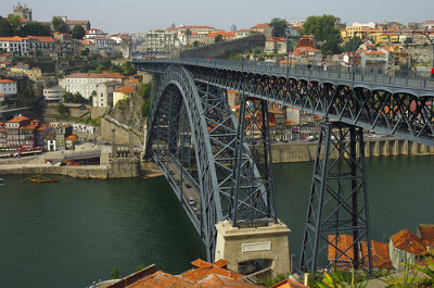 Dom Luís I Bridge, Porto, Portugal (by bridgepix)