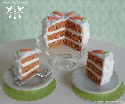 How delicious does this miniature cake look? Yum.