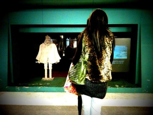 leopard girl subway #001