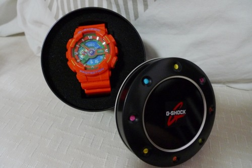 i managed to get a discount for this orange color casio x-large watch too! gonna keep it as my brother's birthday present!