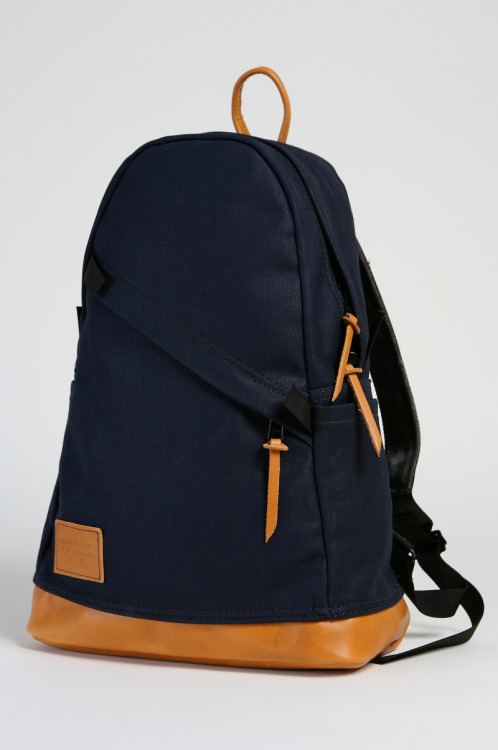 James at Secret Forts offers a wonderful roundup of beautiful rucksacks.