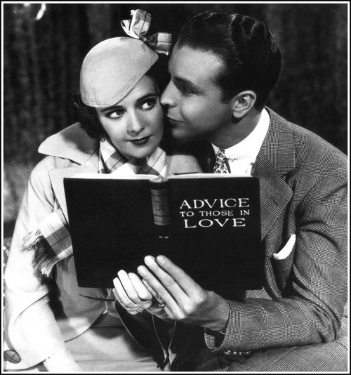 "silentpickford:  missfolly:  Ruby Keeler and Dick Powell '33   Gold Diggers Of 1933 - ""Petting In The Park"""