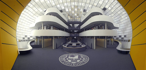 FACULTY OF PHILOLOGYNORMAN FOSTER