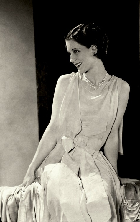 Norma Shearer, 1928 bygonefashion