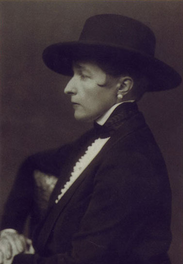queering:  Mr.Marguerite Radclyffe-Hall  oh radclyffe. swoon. so dapper.